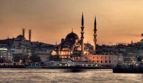 [Transkrip+Video] Orasi Presiden PKS Anis Matta di Selat Bosphorus Turki