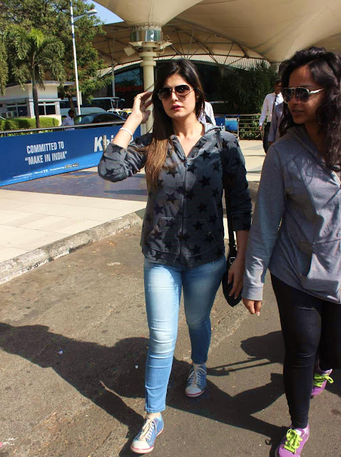 Zareen Khan Hot Photos At Airport