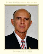 Dr. Antônio José F. Albuquerque