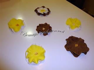 Flores de fondant para decorar las muffins