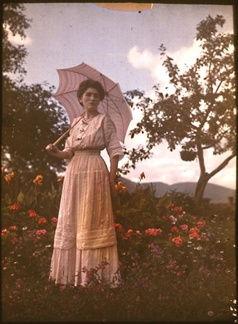 1910 autochrome photo #antique #autochrome #photo #edwardian #woman