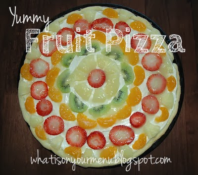 http://whatisonyourmenu.blogspot.com/2012/02/fruit-pizza.html
