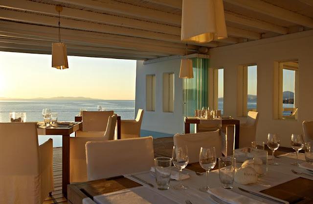 Un faro de ideas hotel de lujo en mikonos grecia Detalles en habitaciones de hotel