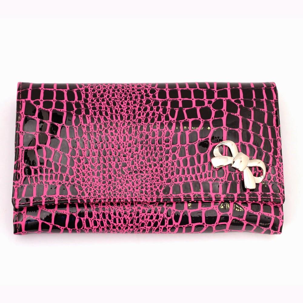 http://www.pinceisemaquiagem.com.br/products/Jogo-22-Pinceis-Macrilan-Rosa-Texturizado-La%E7o.html/?ref=3370