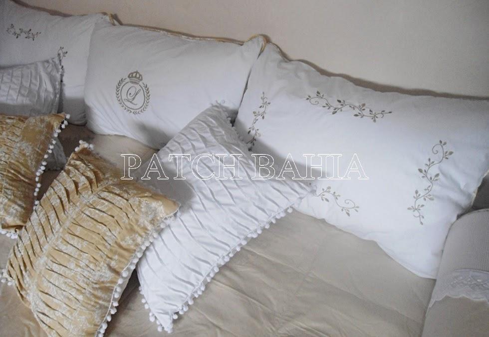 cama babá bege e branco