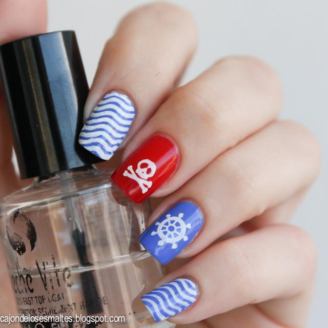 estampado diseño nautico de uñas