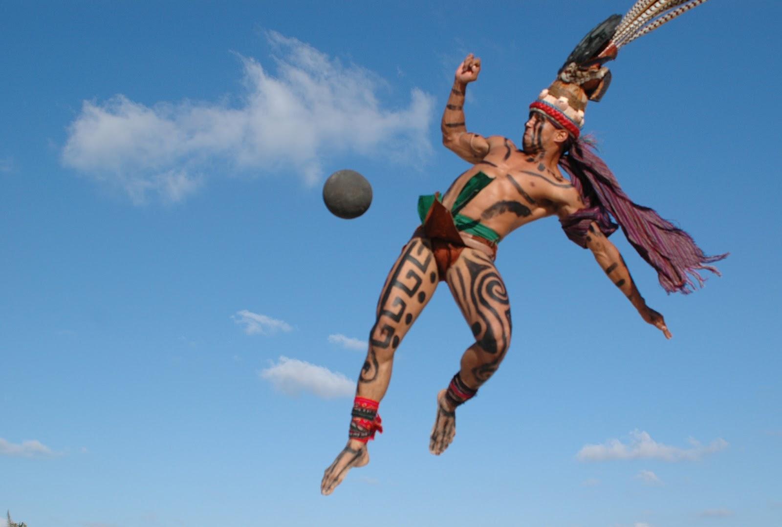 Datei:Pok ta pok ballgame maya indians mexico 4.jpg
