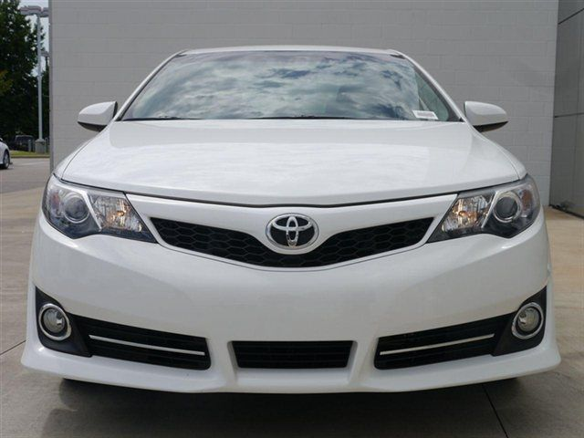 Used Car Pictures Toyota Camry One Of The Most Popular Car In