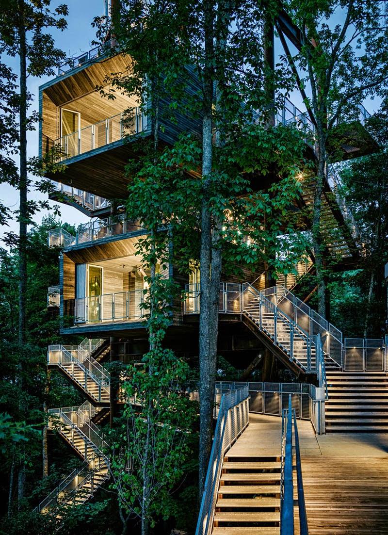 Imponente Construccion en Medio de la Naturaleza
