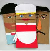 http://www.guiademanualidades.com/titeres-con-bolsas-de-papel-23284.htm