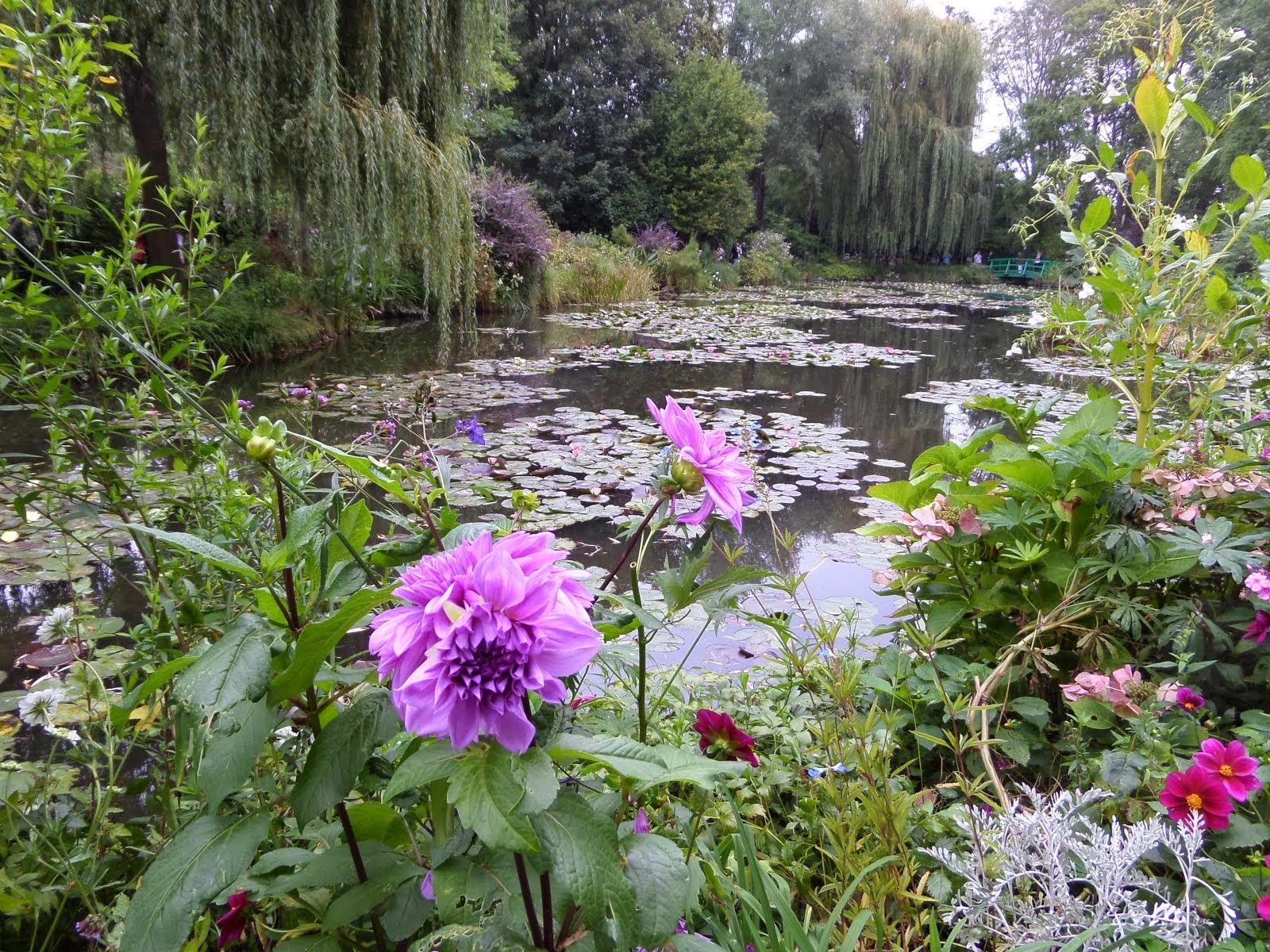 【風景を歩く】モネの「睡蓮の庭」からノルマンディの「古戦場」へ