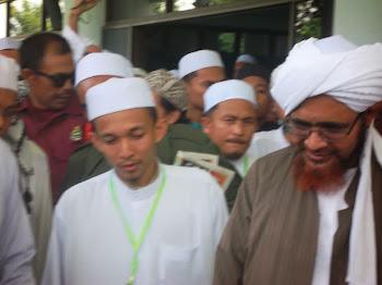 Helmi Assyafie bersama Al Habib Umar