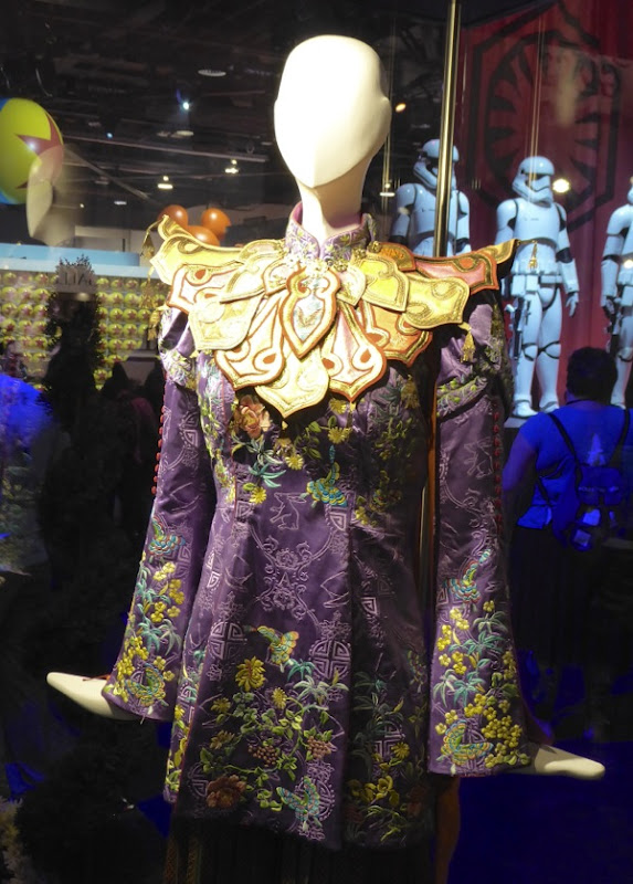 Mia Wasikowska Alice Through the Looking Glass Mandarin costume