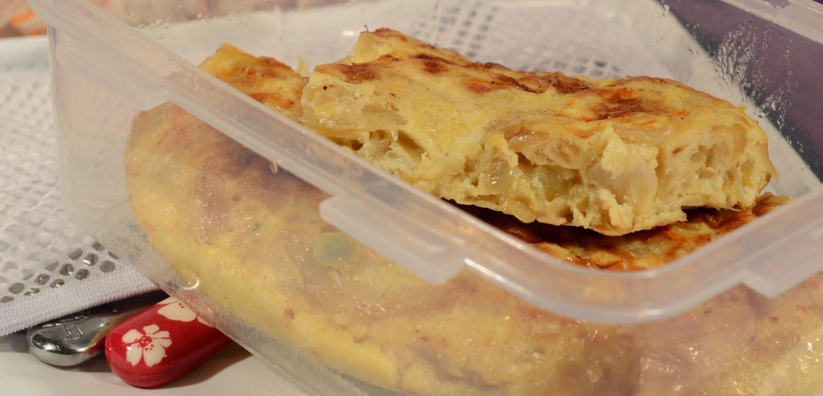Tortilla de cebolla,calabacín y queso