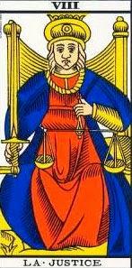 Carta de la justicia en el tarot