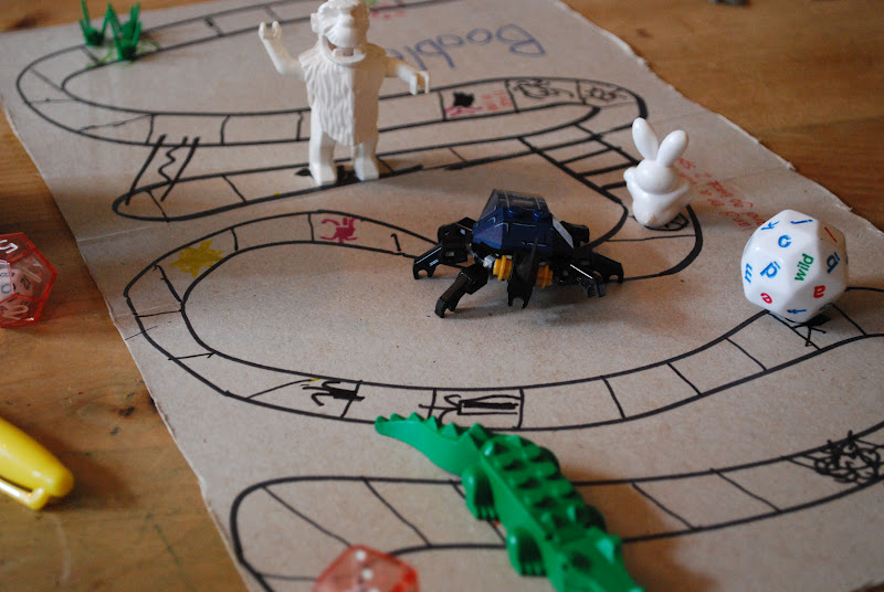 Mamascout make your own board game
