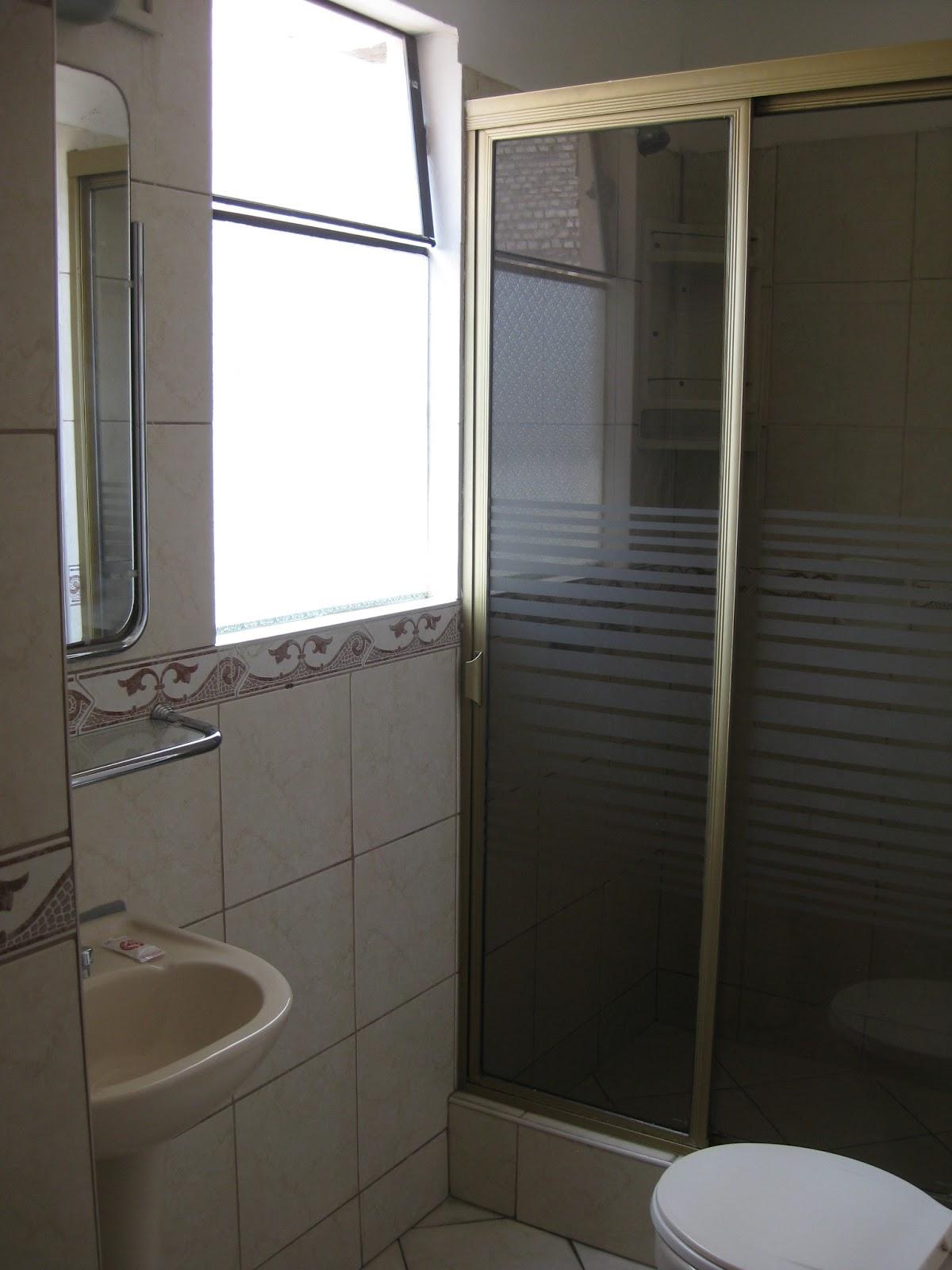 para mim foi o banheiro. A água quente funcionou bem mas a limpeza  #7B6F50 1200 1600