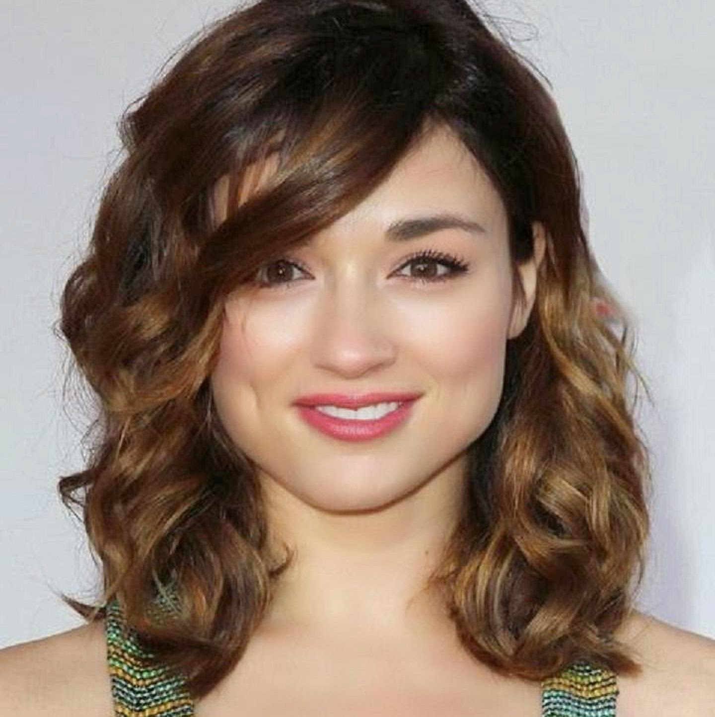 Crystal Reed Wallpapers Free Download