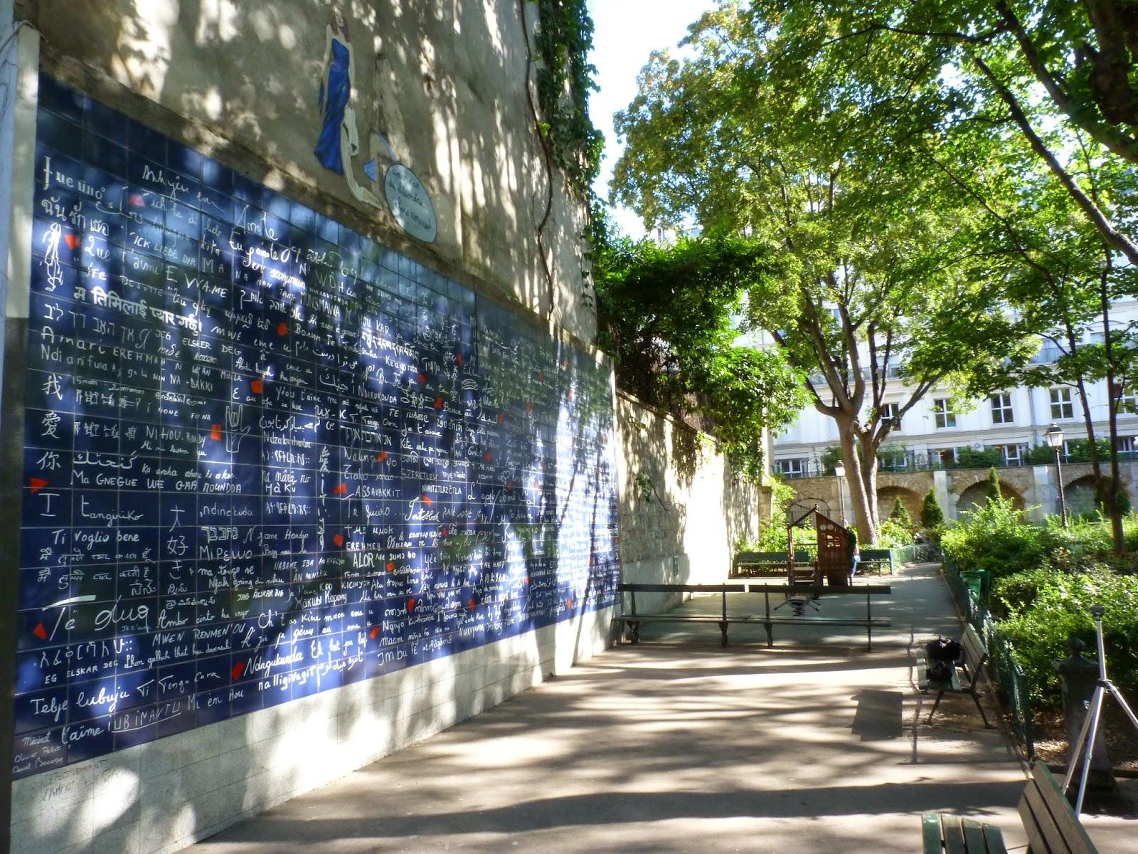 mur des je t'aime Paris romantique