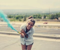 No hagas que el mundo cambie tu sonrisa sino que tu sonrisa cambie el mundo#