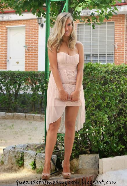 Que zapatos me pongo con un vestido palo rosa como for Colores para combinar con rosa