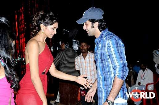 Deepika trying to hold Ranbirs hand - (3) -  Deepika padukone and Ranbir
