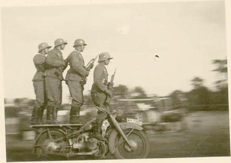 [Image: bmw+r12+motorcycle+bike+german+nazi+thir...circus.jpg]