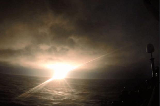 Kapal Selam Nuklir Rusia Uji Tembak Rudal Bulava