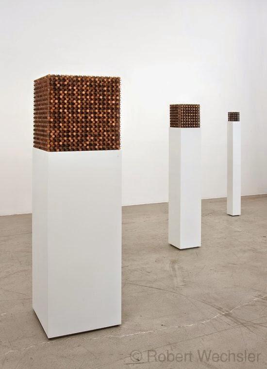 Robert Wechsler arte esculturas geométricas simétricas feitas de moedas centavos pennies Mendicante