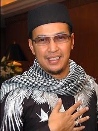 uje 0011 ok Kumpulan Foto Terakhir Uje Sebelum Ustadz Jeffry Al Buchori Wafat