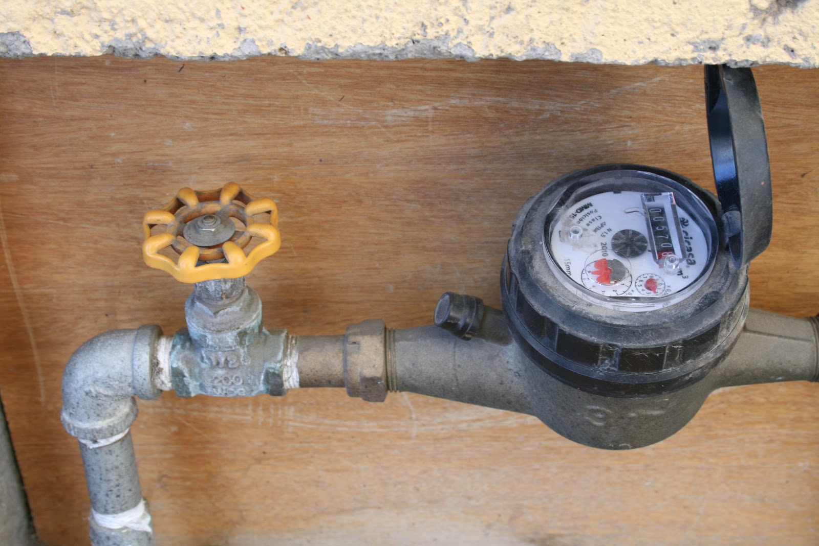 Continuamosmx multar n por tomas clandestinas de agua en for Toma de agua
