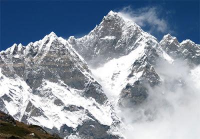 Gunung-Godwin-Austen-atau-K2