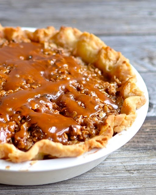 Yammie's Noshery: Caramel Apple Pie