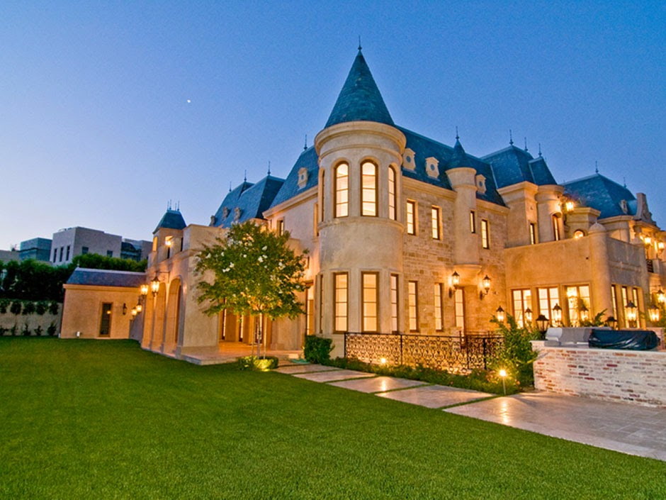 Tour this magnificent masterpiece in beverly hills california for Luxury homes in beverly hills ca