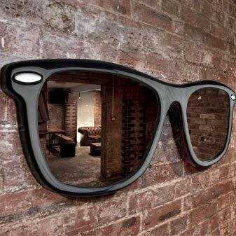 Napszemüveg fali dísz