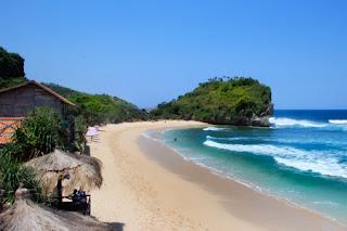 Pantai Indrayanti dari atas menara
