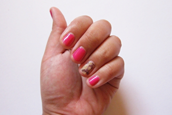 Monday mani animal pinkstinct with bobbi brown and sally for 33 fingers salon