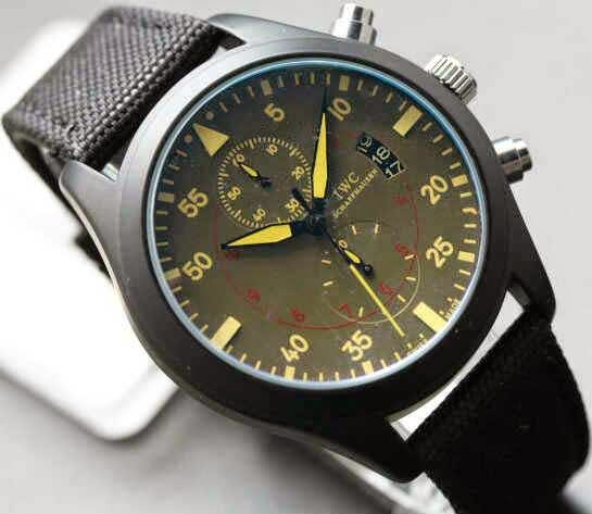 IWC Pilot's Watch Hitam