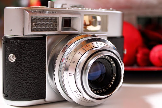 Hohenfels Volks- Voigtlander vitomatic ii showing scale for zone focusing