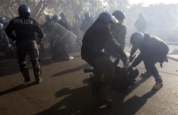 Европа протести и арести