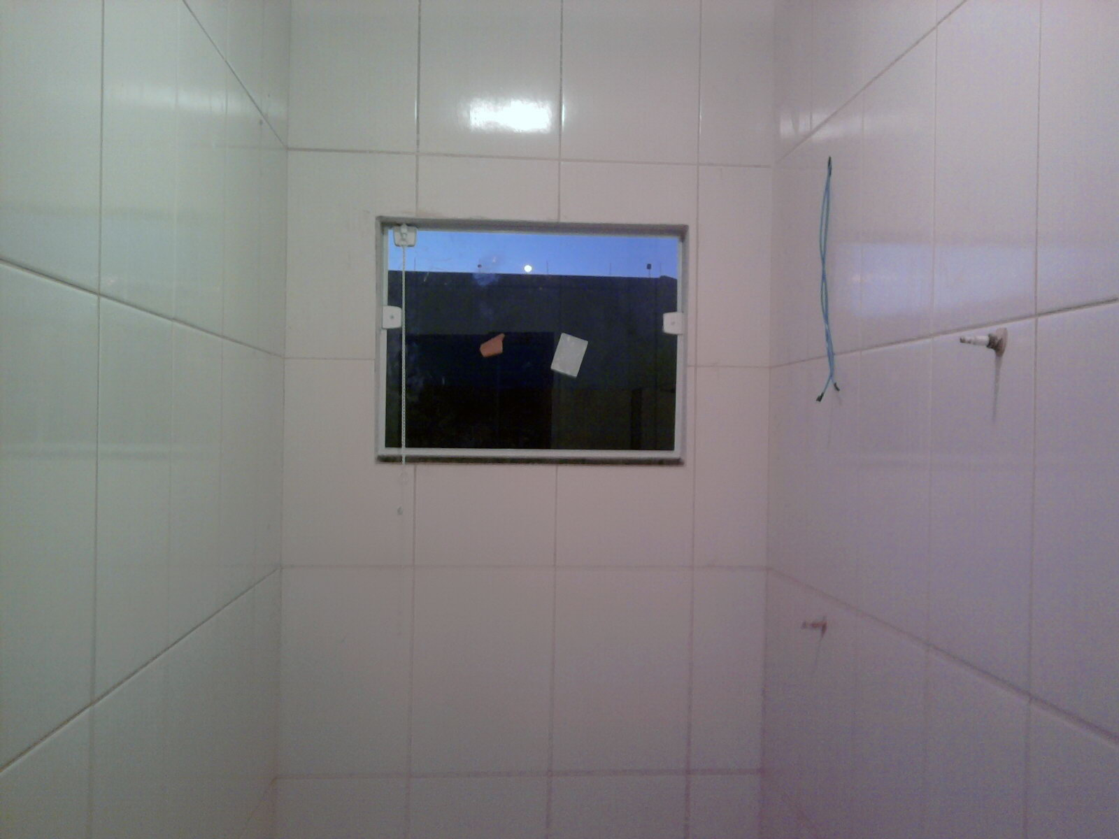Banheiro janelinha de blindex #4B5680 1600x1200 Banheiro De Blindex