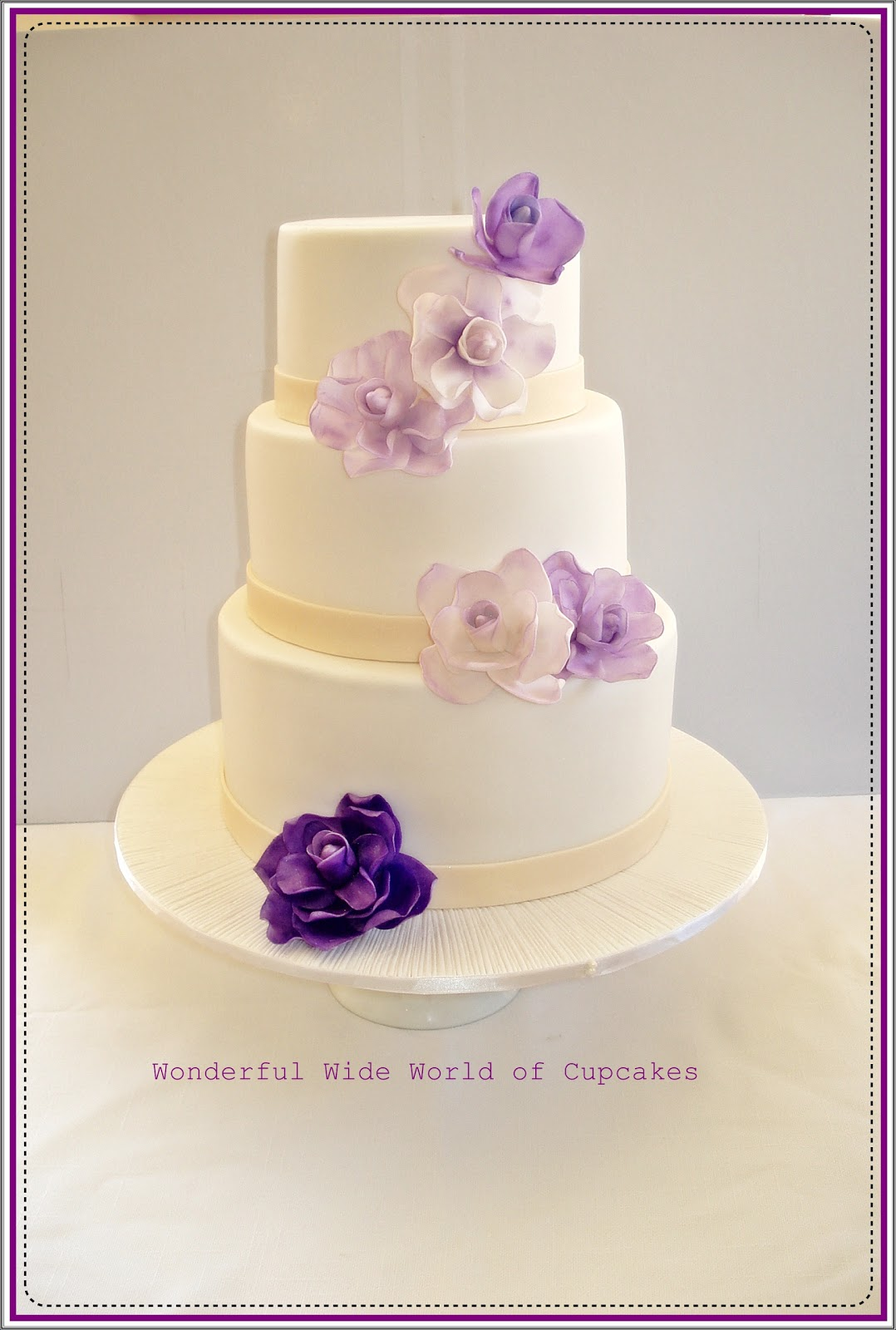 Wonderful World of Cupcakes: Wedding Cake
