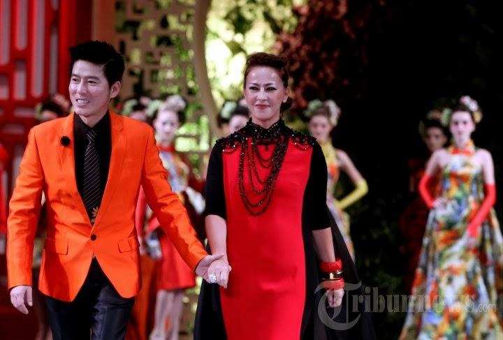Photo-Photo Koleksi Busana Desainer Muda Sebastian Gunawan