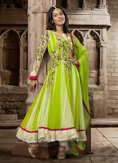Celebrities+in+Indian+Designers+Anarkali+Salwar+Suits+2013005