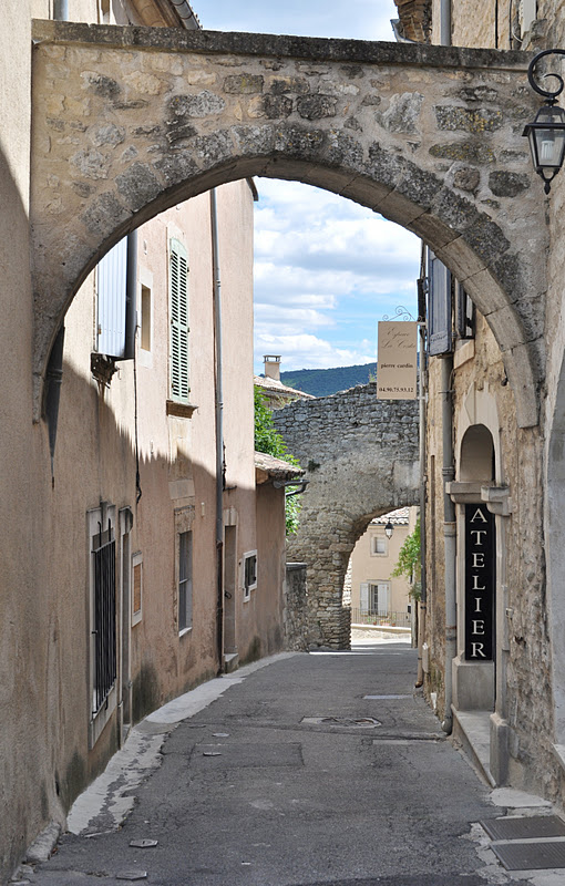 our house in provence lacoste a contrarian village in the luberon. Black Bedroom Furniture Sets. Home Design Ideas