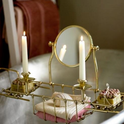 To da loos: Bathtub trays - pretty and pretty useful