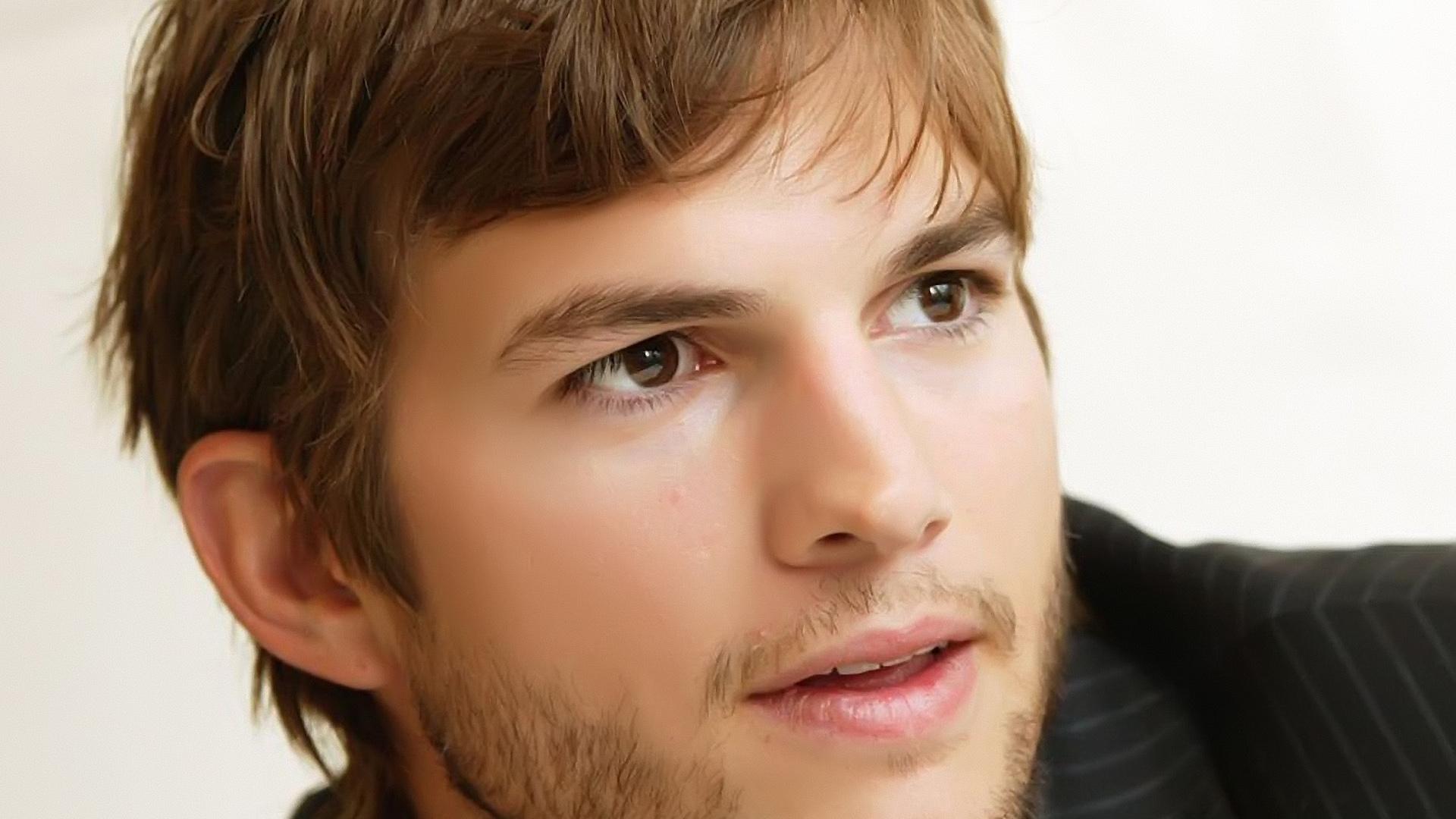 http://3.bp.blogspot.com/-zYSKfNKR33Y/UD7ywcOMJaI/AAAAAAAAIDM/3A74nXmKv0c/s0/ashton-kutcher-handsome-1920x1080-wallpaper.jpg