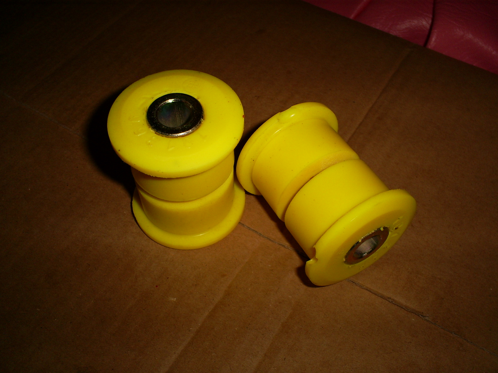 http://3.bp.blogspot.com/-zYdOZX3opJg/T1aBTzxFtnI/AAAAAAAAIOM/68aDtP7pe4k/s1600/rear_upright_bushes.JPG