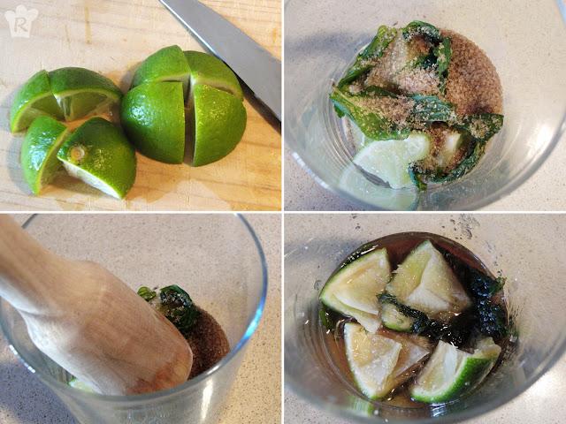 Aplasta la lima, con el azúcar y la hierbabuena