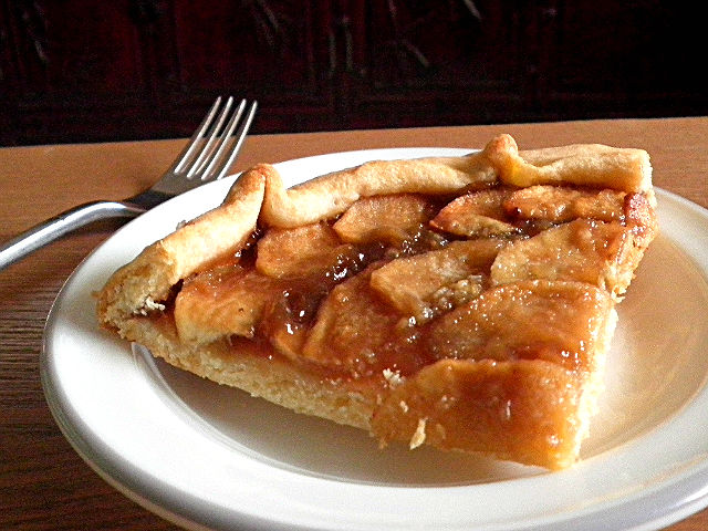 Pie Recipe  @ http://treatntrick.blogspot.com